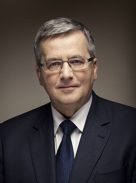 fot. Wojciech Grzędziński (Strona Prezydenta Rzeczypospolitej Polskiej) [CC BY-SA 3.0 pl (http://creativecommons.org/licenses/by-sa/3.0/pl/deed.en)], via Wikimedia Commons